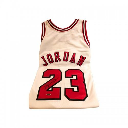 Michael Jordan Bulls back Signed HC Jersey